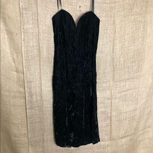 Roberta Vintage Plunge Neckline Velvet Dress Black